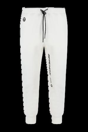 מכנסי טרנינג ארוכים עם כיתוב צידי ממותג בגוון לבן AAPE