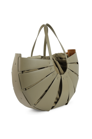 Shell Shoulder Bag Maxi in Taupe Leather BOTTEGA VENETA