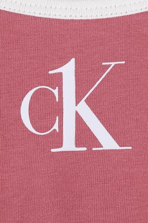 גילאי 8-16 טופ ורוד עם לוגו לבן CALVIN KLEIN