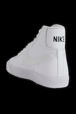 Nike Blazer Mid 77 in White NIKE