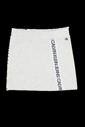 גילאי 4-16 חצאית מיני באפור בהיר עם סטרייפ לוגו CALVIN KLEIN