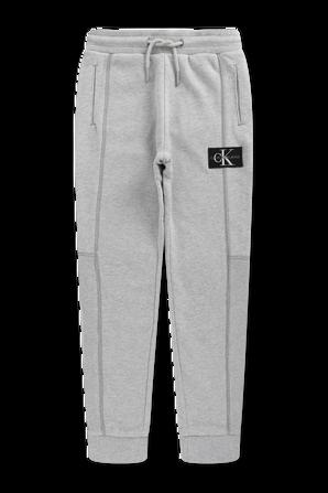 גילאי 4-16 מכנסיים ארוכים עם לוגו בגוון אפור CALVIN KLEIN