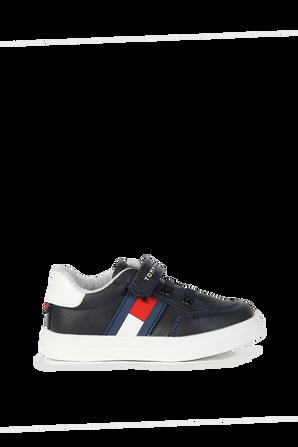 מידות 20-23 נעלי סניקרס נמוכות עם דגל לוגו בצד TOMMY HILFIGER KIDS