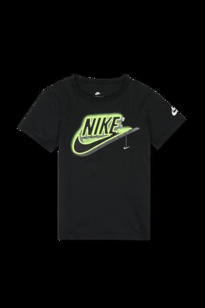 גילאי 4-7 חולצת טי שחורה עם לוגו במראה ניאון NIKE