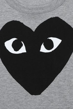 גילאי 2-6 חולצת טי באפור עם לוגו PLAY שחור COMME des GARCONS KIDS