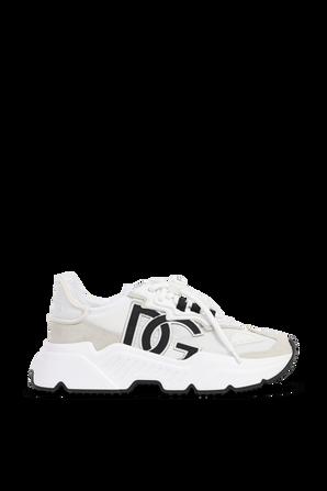 נעלי סניקרס עם מונוגרמת המותג בגווני לבן ובז' DOLCE & GABBANA