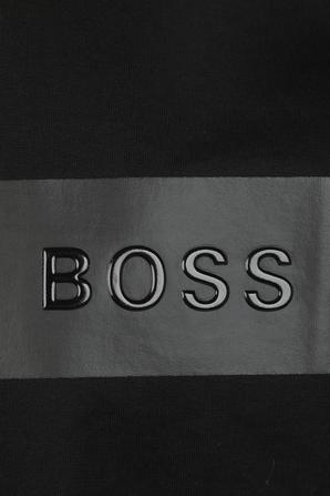 חולצה טי שחורה בגזרה ישרה BOSS