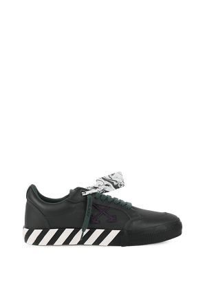 נעלי סניקרס מעור בצבע ירוק OFF WHITE