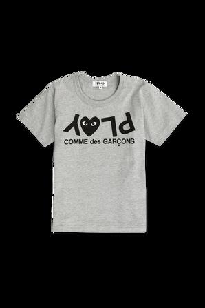 גילאי 2-6 חולצת טי באפור עם לוגו PLAY הפוך COMME des GARCONS KIDS